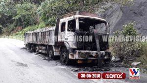 The-cement-lorry-caught-fire